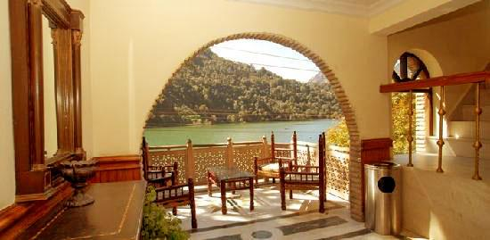 Lake side Inn, Nainital